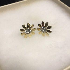 NWT gold sunflower 🌻 stud earrings